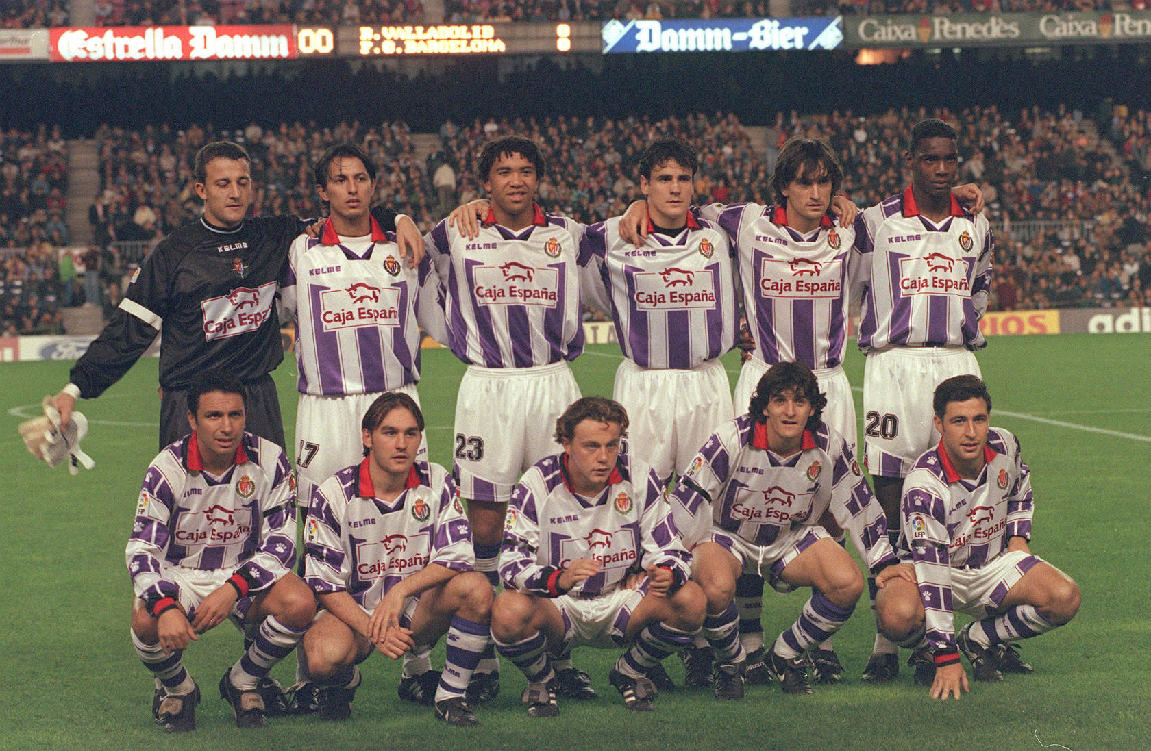 Partido Barcelona-Real Valladolid en el Camp Nou en el a&ntilde;o 1997