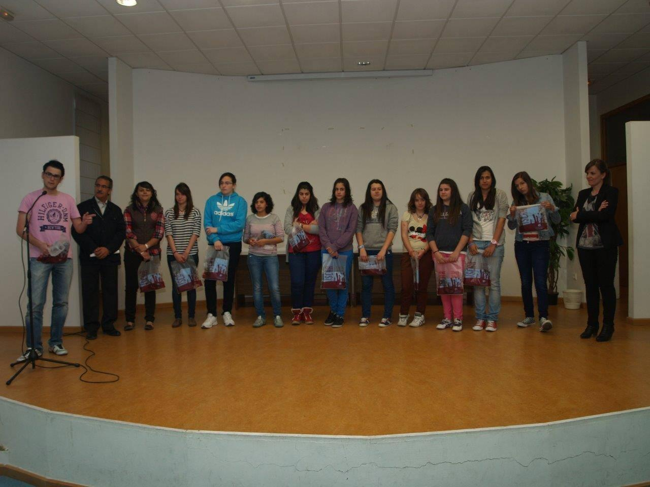 Homenaje del Ayuntamiento de &Iacute;scar a su campeonas de baloncesto y gimnasia r&iacute;tmica