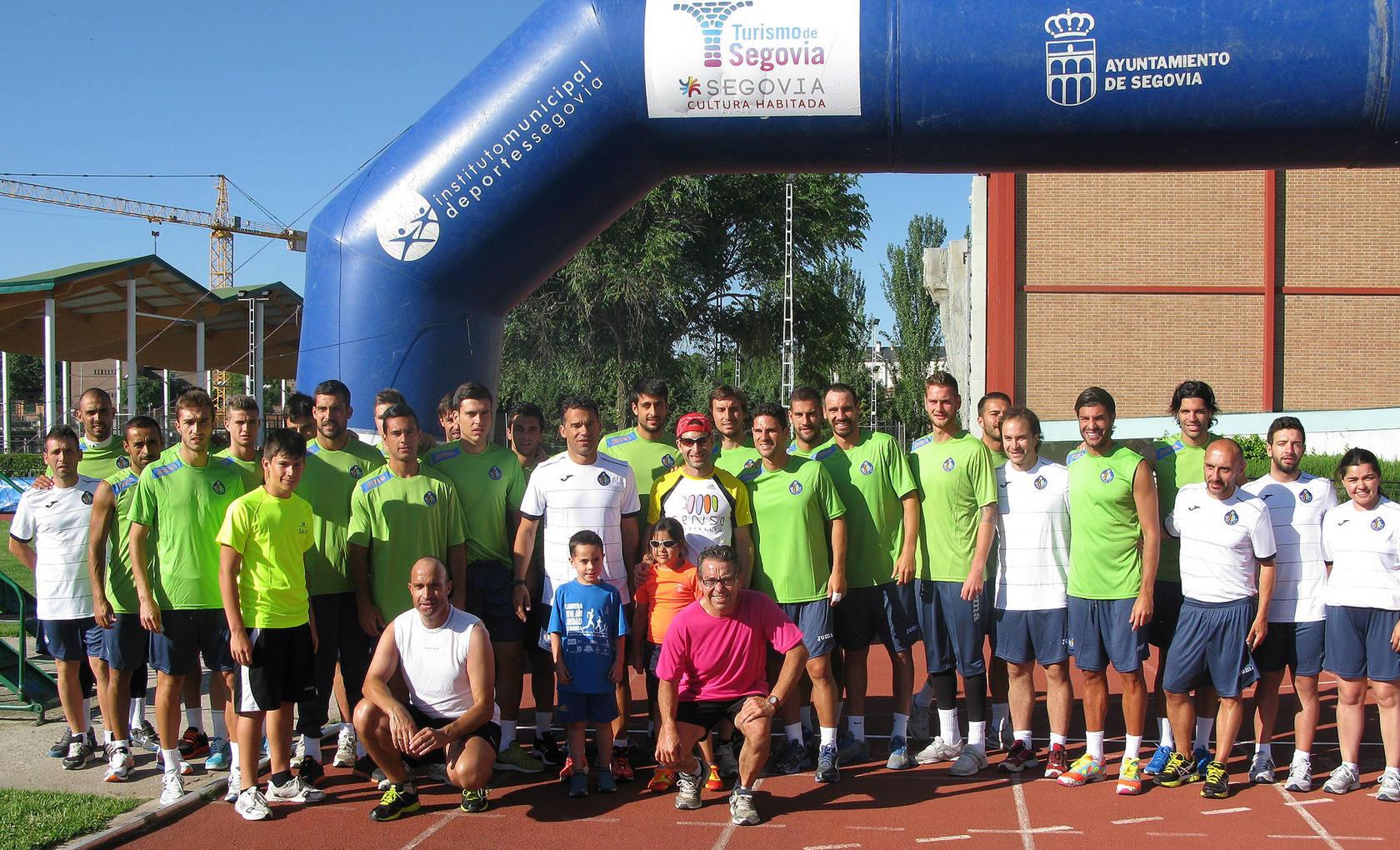 David Mora consigue el reto de correr durante 24 horas en Segovia por una causa solidaria