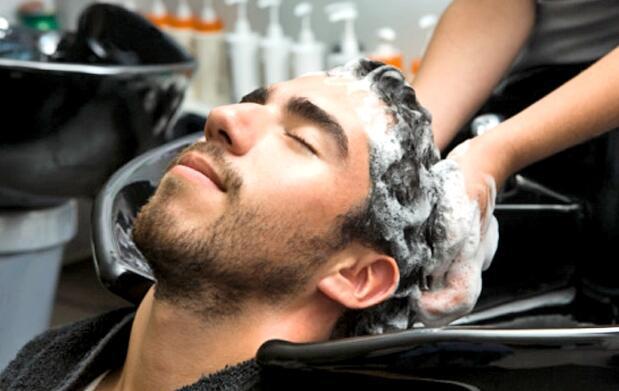 2 sesiones de peluquería de caballero 13€