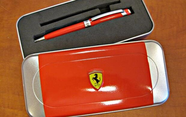 Set bolígrafo Ferrari por 11,90 €