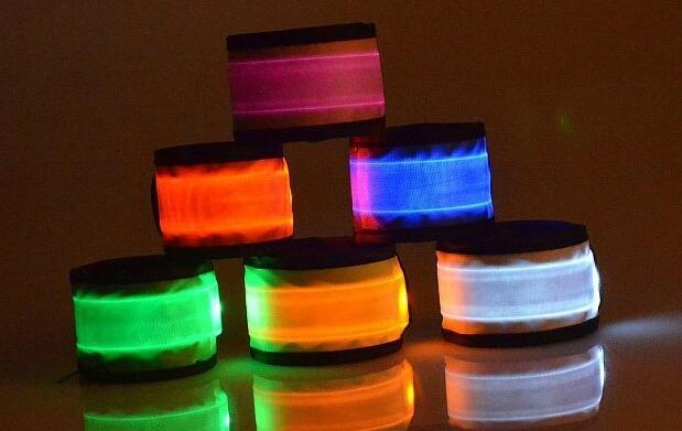 Brazalete LED varios colores 7,90€