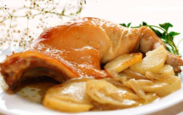 Menú para 2 con cochinillo asado 29€