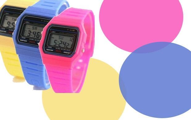 Relojes tipo Casio de colores 4.99€