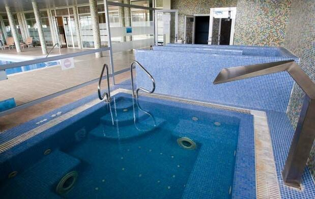 Menú + Spa en Comillas 25€