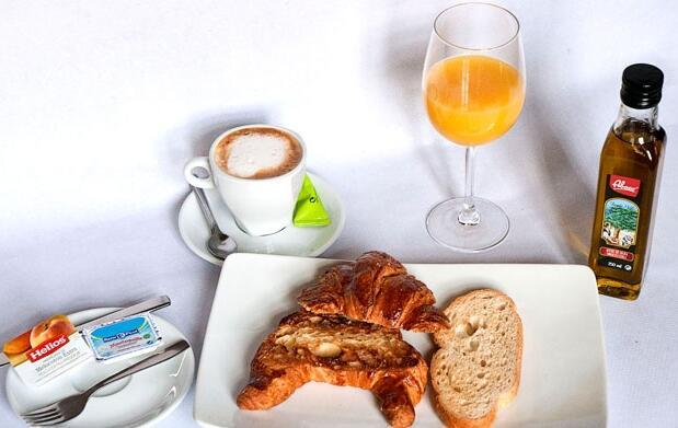 Desayuno lunch para 2 por 5,50€