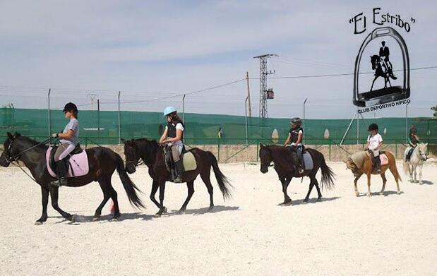 1 mes de clases de equitación por 29€