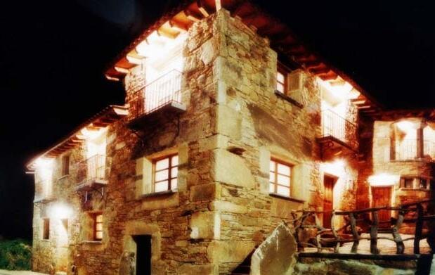 Noche para 2+spa privado+cava 49€