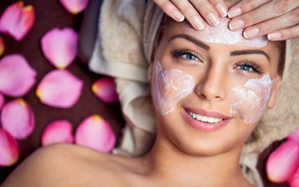 Piel resplandeciente al instante con esta higiene facial, radiofrecuencia y peeling