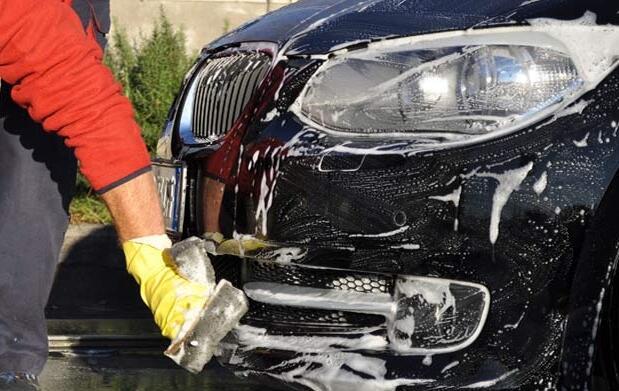 Lavado de coche a mano por 10€