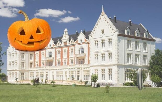 Balneario nocturno para 2  Halloween 36€