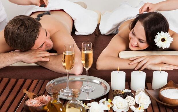 Masaje en pareja con bombones por 39,90€
