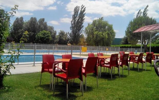 Oktoberfest: entrada piscina y cerveza 4€