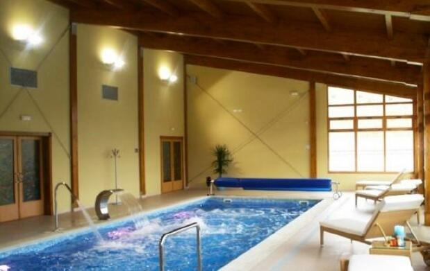 Alojamiento + spa + raquetas de nieve 39€