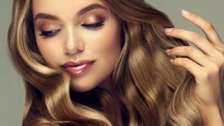 Exclusiva sesión de peluquería y opciones con manicura