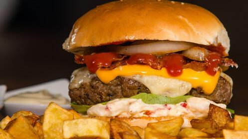 ¿Con ganas de hamburguesa? Menú para dos 14,90€