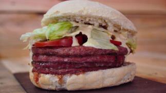 Menú para dos burger premium o quesadilla, patatas y bebida