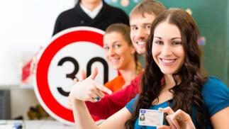 Autoescuela con 5 prácticas para sacarte el carné de coche