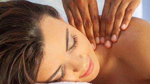 Libera tensiones y cuídate con este masaje de espalda