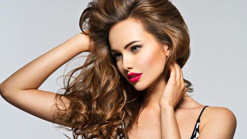 Sesión de belleza con descuento: peluquería o manicuras