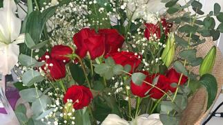 Impresionante ramo de rosas