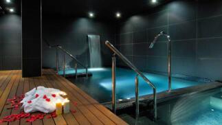Circuito de spa y aperitivo para dos en Vincci Frontaura 4*
