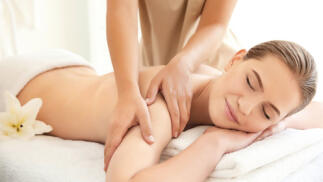 Sesión masaje relajante de espalda o piernas cansadas