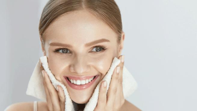 Cuida tu rostro con este flash facial con efecto iluminador