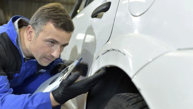 Reparación y pintura de golpe de coche ¡con un gran descuento!