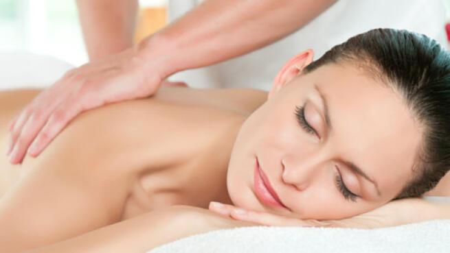 Regala un magnífico masaje de espalda