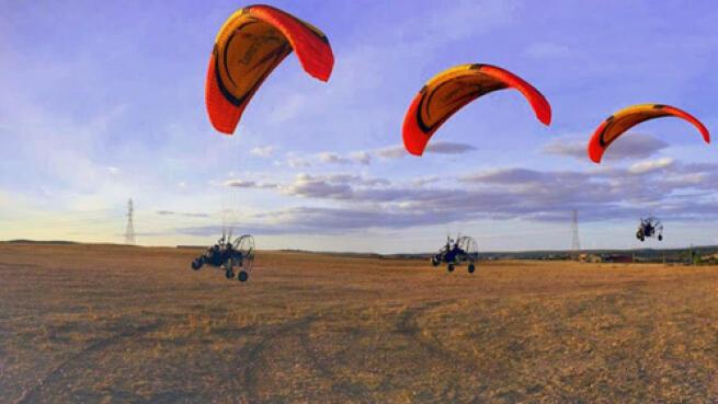 Aventura y emoción con este vuelo en parapente